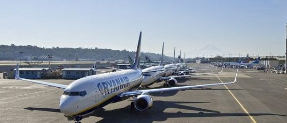 Aflată în mijlocul unor turbulențe interne, Ryanair se retrage și de la Craiova, după Timișoara și Oradea. Piloții amenință cu greve de Paști