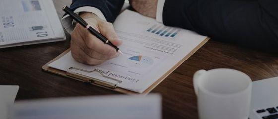 Fondurile de pensii deţin 20% din acţiunile tranzacţionate la BVB şi 7% din datoria publică a României. APAPR: Reducerea contribuţiei afectează potenţialul de investiţii în economie