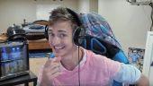 Cum câștigă 500.000 de dolari pe lună un tânăr de 26 de ani, jucându-se în camera sa