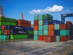 România a exportat mai mult decât a importat în primul semestru, dar deficitul comercial continuă să crească