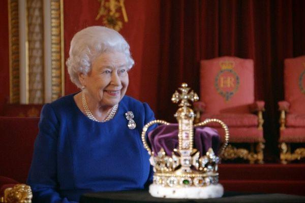 Regina Elisabeta a II-a a Regatului Unit al Marii Britanii şi Irlandei de Nord s-a născut la 21 aprilie 1926, dar își serbează ziua de naștere la 2 iunie, data la care, în 1953, a fost încoronată la Westminster Abbey. Foto: The Royal Family/Facebook