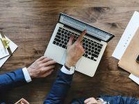 Peste 70% dintre angajații români vor să-și schimbe jobul în următoarele 12 luni. Majoritatea ar lucra în alt domeniu, pentru un salariu mai bun și program lejer