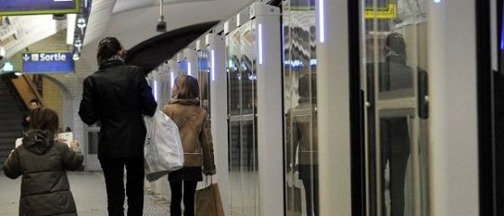 Metrorex vrea să instaleze platforme cu uşi culisante la peron, în staţia Piața Victoriei 1, dar nu are încă o sursă de finanțare