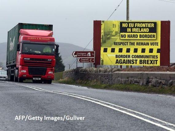 Irlanda de Nord ar putea primi statut special de zonă-tampon, după Brexit, pentru a evita controalele vamale. Scoția insistă să ceară independența