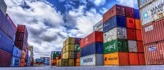 SUA elimină, de vineri, scutirea privind taxele vamale la importurile de oțel și aluminiu din UE, Canada și Mexic. CE anunță  contramăsuri , Mexicul amenință cu  represalii