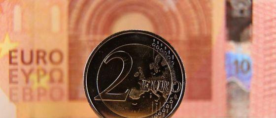 Leul pierde teren în fața principalelor valute. Cursul anunțat de BNR