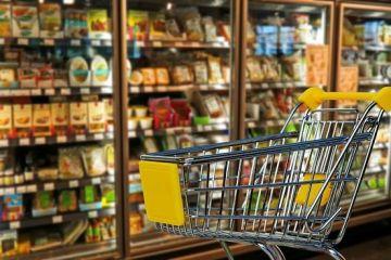 Ce înseamnă inflația record din aprilie în bugetul familiei. Mâncăm 6 ouă în loc de 10, cumpărăm o pâine mai puțin pe lună și ar trebui să stăm 5 zile pe întuneric