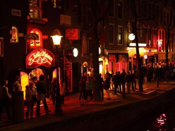 Amsterdamul declară război turiștilor care vin să consume alcool și droguri în Olanda. Amenzi severe pentru   petrecăreți
