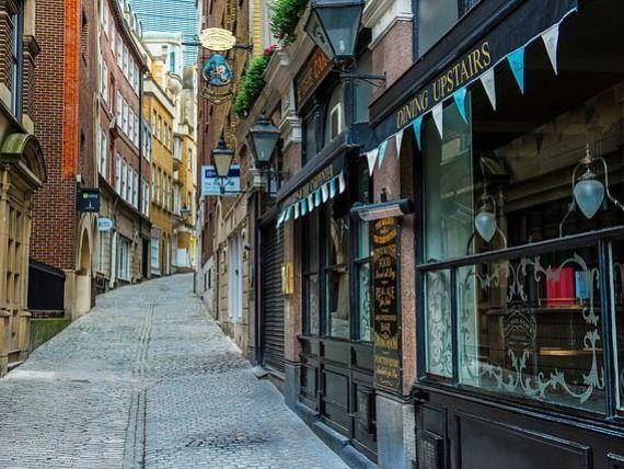 Mica Românie , suburbia Londrei unde pe stradă se vorbește românește, iar sarmalele sunt cel mai popular fel de mâncare. Ce scrie presa britanică despre români