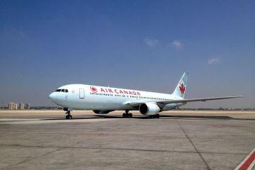Zboruri directe România-Canada, de vineri. Air Canada Rouge leagă Bucureștiul de Toronto şi Montreal