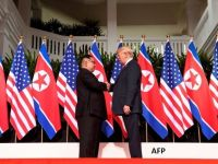 Moment istoric: Donald Trump și Kim Jong-un s-au întâlnit după luni de amenințări. Este prima întâlnire dintre un lider american și unul nord-coreean din istorie