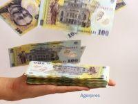 Ce aduce 2019 românilor: benzină mai scumpă, salarii mai mari pentru bugetari, înghețarea prețului energiei electrice și al gazelor. Ce se întâmplă cu taxa auto