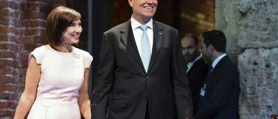 Câți bani au câștigat soții Iohannis, anul trecut. Salariile le-au scăzut, veniturile din chirii au crescut