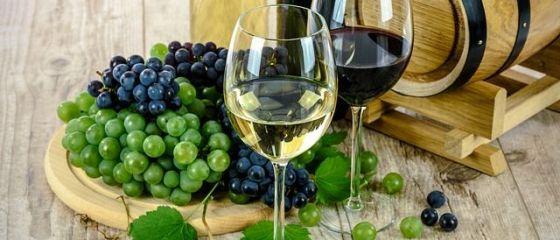 Vinurile biodinamice românești câștigă tot mai mult teren în străinătate. Procesul de producție evită procesarea industrială, iar lucrările la vie se ghidează după fazele Lunii