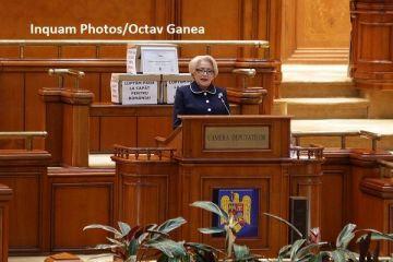 Guvernul Dăncilă rămâne la Palatul Victoria. Moţiunea de cenzură a fost respinsă, pentru că a strâns sub 233 de voturi favorabile