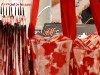 Reduceri masive la H&M. Retailerul suedez are de vândut stocuri de haine de 4 mld. dolari