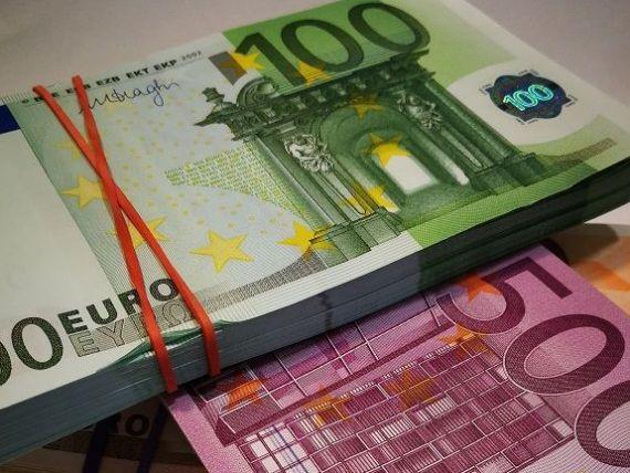 Ministerul Finanţelor vrea să împrumute 2,5 mld. euro de pe pieţele externe. Banii merg în deficit și refinanțarea datoriei publice