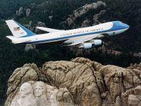 Boeing va construi două aeronave de tip Air Force One pentru președintele american. Contract în valoare de 4 mld. dolari