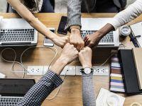 Trei sferturi dintre angajatorii români spun că sunt dispuși să majoreze salariile cu 15%, pentru a atrage candidați calificați. Jumătate oferă și programe de formare