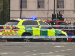 Alertă la Londra. Șofer reținut după ce a intrat în pietoni în fața Parlamentului. LIVE