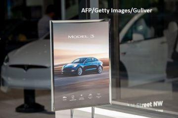 Elon Musk înmânează volanul Tesla arabilor. Fondul suveran saudit va finanța scoaterea companiei americane de pe bursă