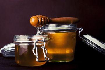 Vremea capricioasă reduce producția de miere. Crește cererea pentru export