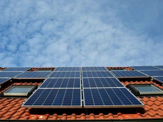 Micii producători vor putea introduce energie regenerabilă în rețea și vor fi scutiți de facturi. Consiliul Concurenței:  Nu este ajutor de stat, se poate aplica rapid
