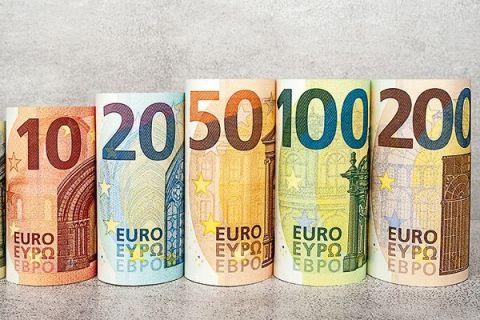 Bani noi în Europa, începând de marți. Cum arată noile bancnote