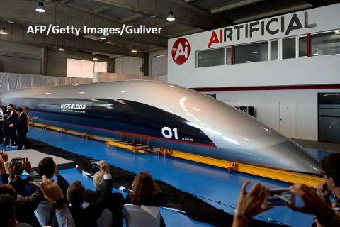 Viitorul transportului de călători începe azi. Capsula care va atinge 1.200 km/oră, prezentată în Spania, după o idee a lui Elon Musk