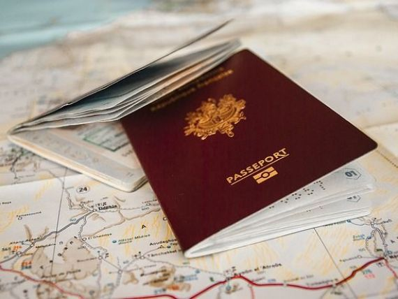 Exodul românilor spre vestul Europei continuă. Suntem pe primul loc în UE la dobândirea cetățeniei unui alt stat membru. Surpriza de pe locul al treilea