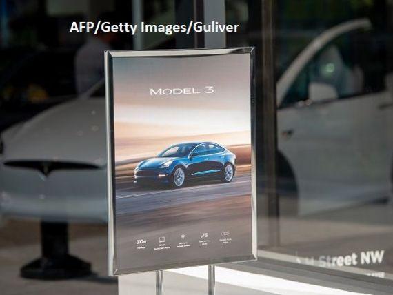 Tesla a lansat o nouă versiune a Model 3, cu o autonomie de peste 400 km. La ce preț se vinde sedanul