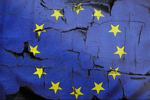 Nori negri deasupra Europei. Sondaj: Dezintegrarea UE în următorii 20 de ani este o posibilitate realistă