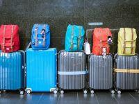 Noua politică de preţ pentru bagaje de la Wizzair şi Ryanair aduce cele două companii low cost în faţa Consiliului Concurenţei