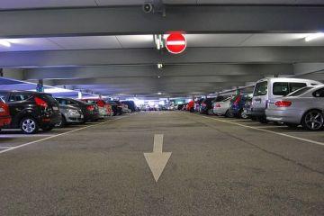 Locurile de parcare care costă mai mult decât mașina. Recordul: 30.000 de lei pe an