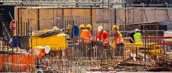 Autoritățile iau măsuri pentru acoperirea deficitului de forță de muncă. Cum vor putea angajatorii să aducă străini în România