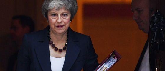 UE oferă Londrei două variante pentru ieșirea din blocul comunitar. Ce opțiuni are Theresa May