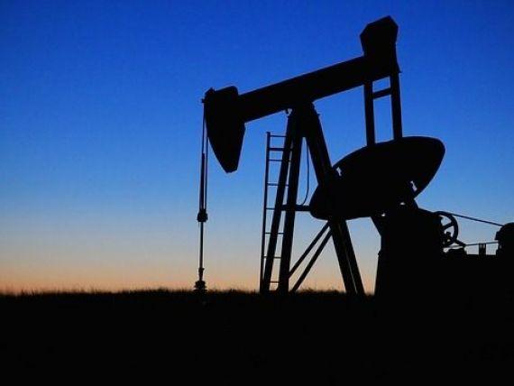 Prețul petrolului a crescut la cea mai ridicată valoare din acest an, ca urmare a sancțiunilor impuse Venezuelei și a diminuarii producției OPEC