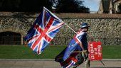 Theresa May alege cea mai proastă variantă pentru Marea Britanie: ieșirea din UE fără acord, din ce în ce mai plauzibilă. Guvernul se așteaptă la un  posibil haos  și anunță că mii de militari sunt pregătiţi să intervină