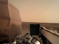 Modulul spaţial InSight a ajuns cu bine pe Marte și a trimis primele imagini pe Terra