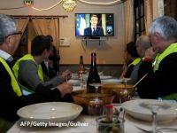 """Macron decretează """"stare de urgenţă economică şi socială"""" și promite majorari de salarii și scutiri de taxe pentru a calma """"Vestele galbene"""""""