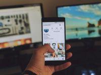 Socializarea s-a mutat aproape exclusiv în mediul virtual. Efectele acestei dependențe
