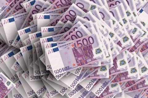 La 20 de ani de la lansare, euro a câștigat încrederea lumii. Băncile centrale își păstrează tot mai multe rezerve în moneda europeană, în defavoarea dolarului