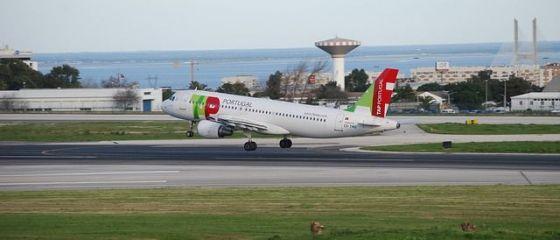 TAP Portugal continuă să vândă bilete în România și anunță o reducere de 50% pe toate destinațiile