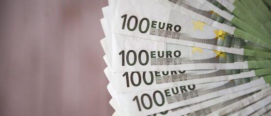 Leul s-a apreciat în raport cu principalele valute
