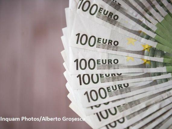 Euro a scăzut spre nivelul de 4,76 lei