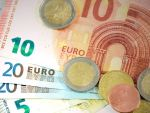 Leul termină săptămâna pe depreciere. Euro depășește din nou 4,74 lei