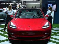 Tesla anunță o versiune ieftină a sedanului Model 3 și reduceri de prețuri la toate celelalte modele