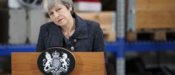Marea Britanie, aruncată în haos. Scenarii posibile după respingerea acordului pe Brexit. Soarta Theresei May atârnă de un fir de aţă