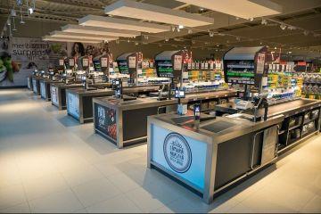 Unul dintre cele mai mari lanțuri de magazine din România produce mezeluri fără E-uri și fără coloranți sintetici