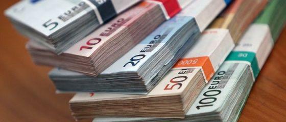 Teodorovici spune că, în a doua parte a anului, România va începe să se împrumute  pentru anii care urmează